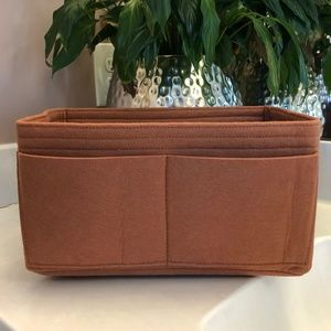 Handbags - NWT Neverfull MM/Speedy 30 Caramel Brown Organizer